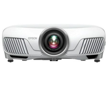 Proyector Epson EH-TW9300W. Experimenta aventuras cinematográficas en casa con este proyector con tecnología 4K con transmisor 4K WiHD, óptica motorizada y tecnología 3LCD