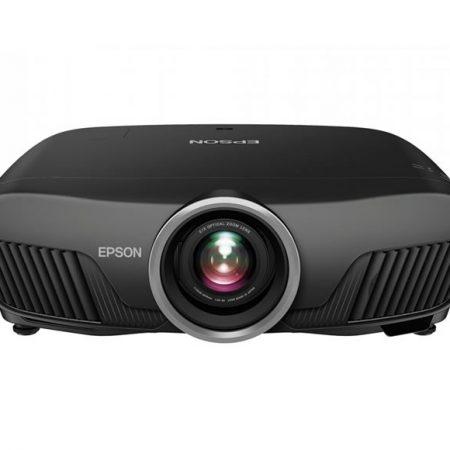 Siente la magia del cine en casa con este proyector con tecnología 4K compatible con HDR que usa tecnología de Epson y tecnología 3LCD.