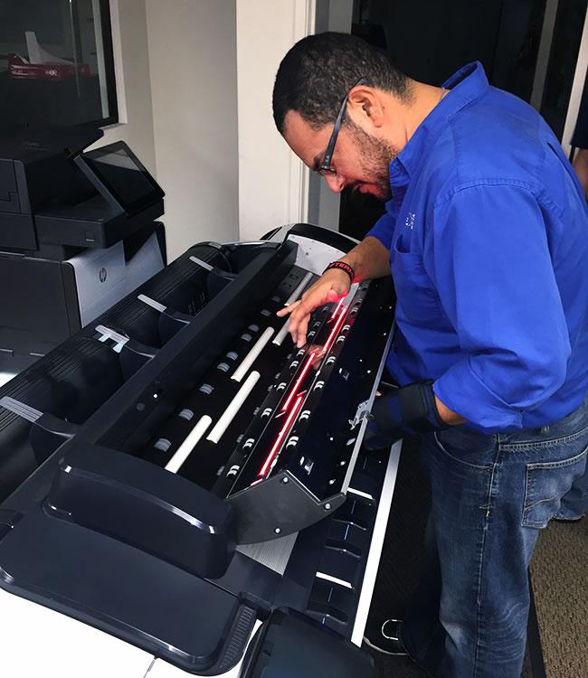 Reparación y Mantenimiento de Plotter